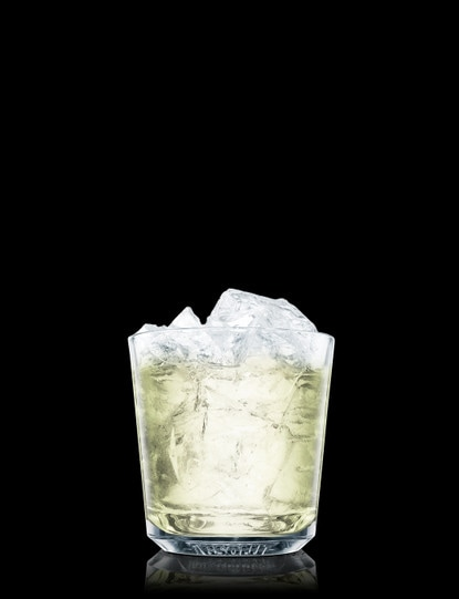 classic-margarita-on-the-rocks