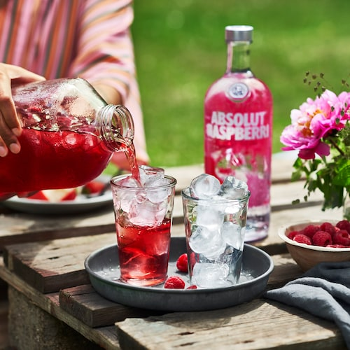 absolut raspberri with cranberry juice in environment