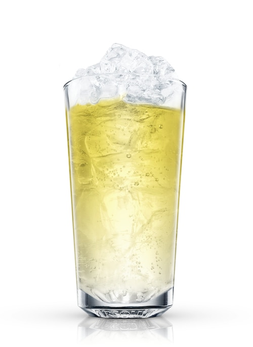 absolut gräpe lemon lime soda against white background