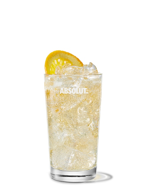 absolut mandrin with ginger ale against white background