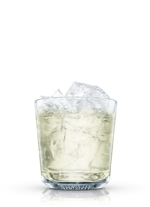 absolut wild tea gimlet against white background