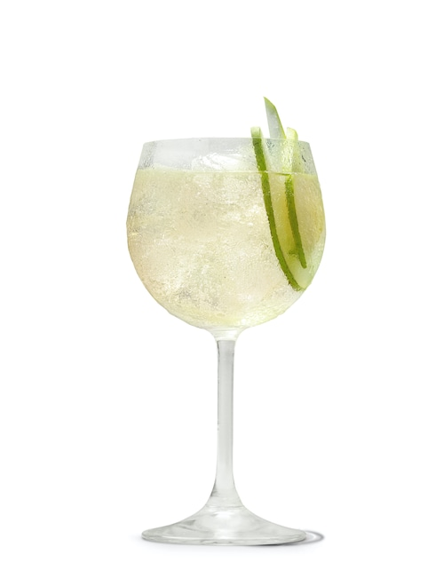 absolut juice pear and elderflower spritz against white background