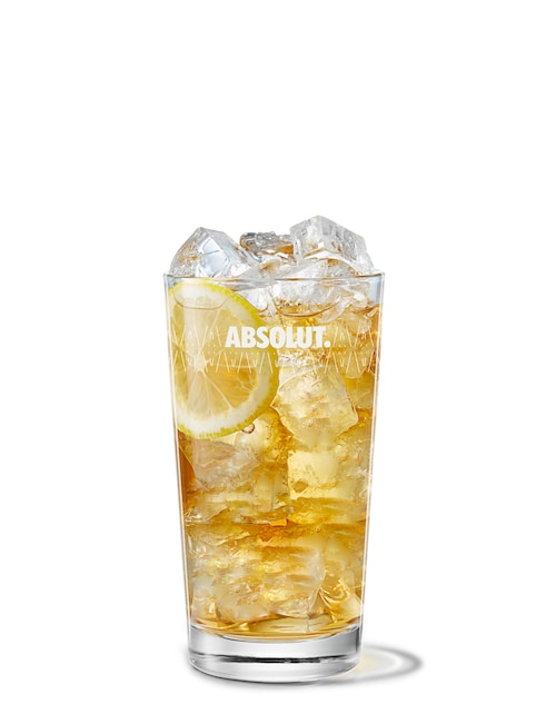 absolut apeach with iced tea against white background