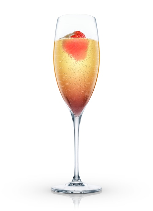 champagne fraise against white background