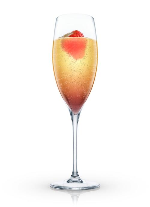 champagne fraise against white background