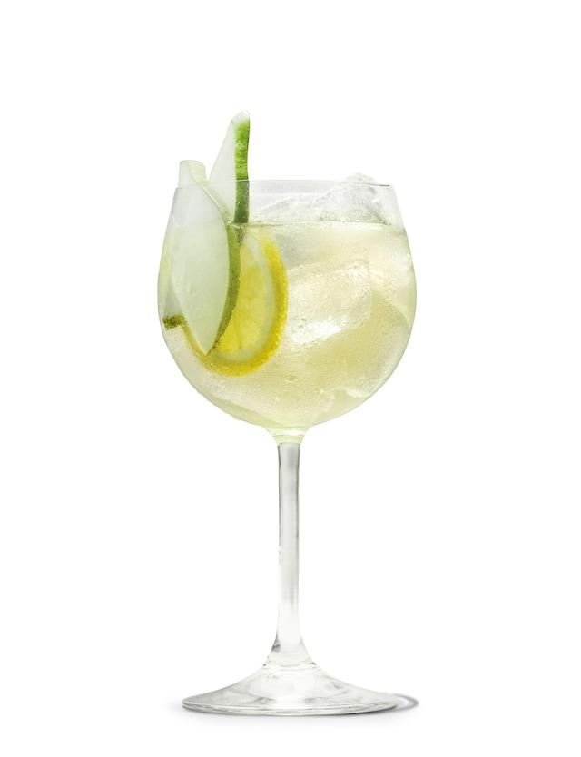 absolut-juice-pear-and-elderflower-shandy