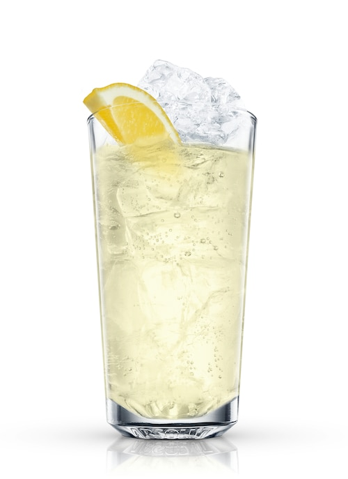 absolut hibiskus lemonade against white background