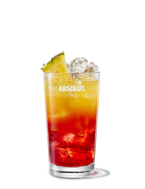 absolut gräpe bay breeze against white background