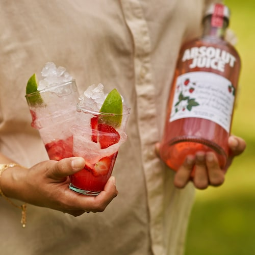 absolut juice strawberry and soda in environment